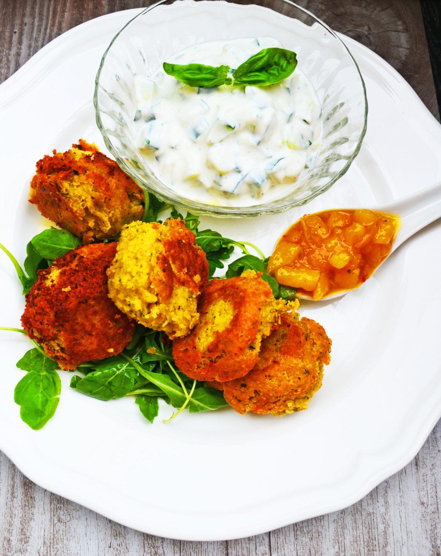 Der Orient lässt grüßen! Falafel-Bällchen mit Joghurt-Gurkendip
