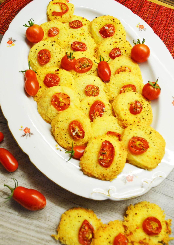 Die zergehen auf der Zunge! Sablés aux tomates et fromage