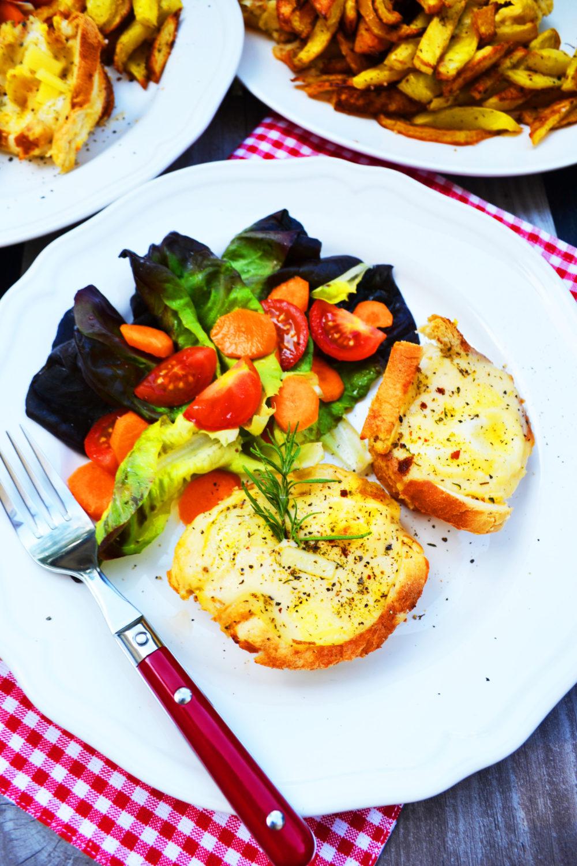 Fabelhafte Bistro-Küche! Croque Madame Törtchen mit selbstgemachten Pommes