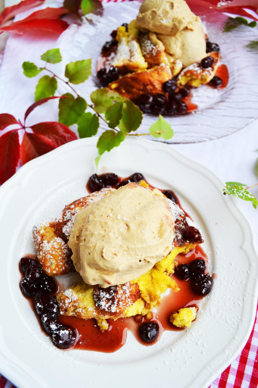 Süße Herbstmomente! Sauerrahmschmarren mit Maronieis und Cranberrykompott