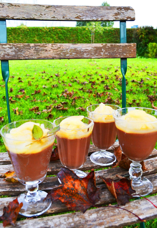 Ein Traum zum Löffeln! Schokoladen-Zimt-Flammerie mit Vanillebirnen