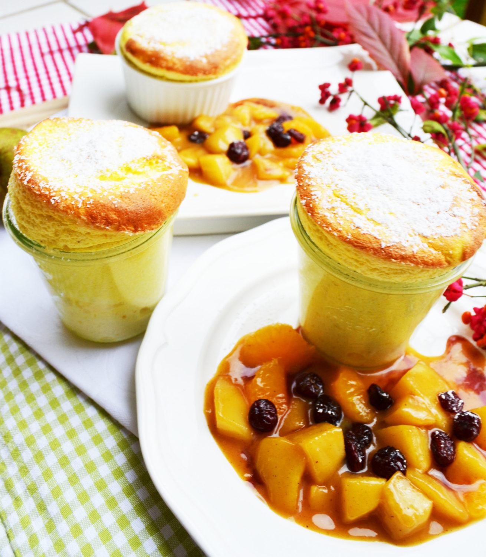 Ein luftiger Genuss! Topfensoufflé mit Karamell-Vanille-Birnen