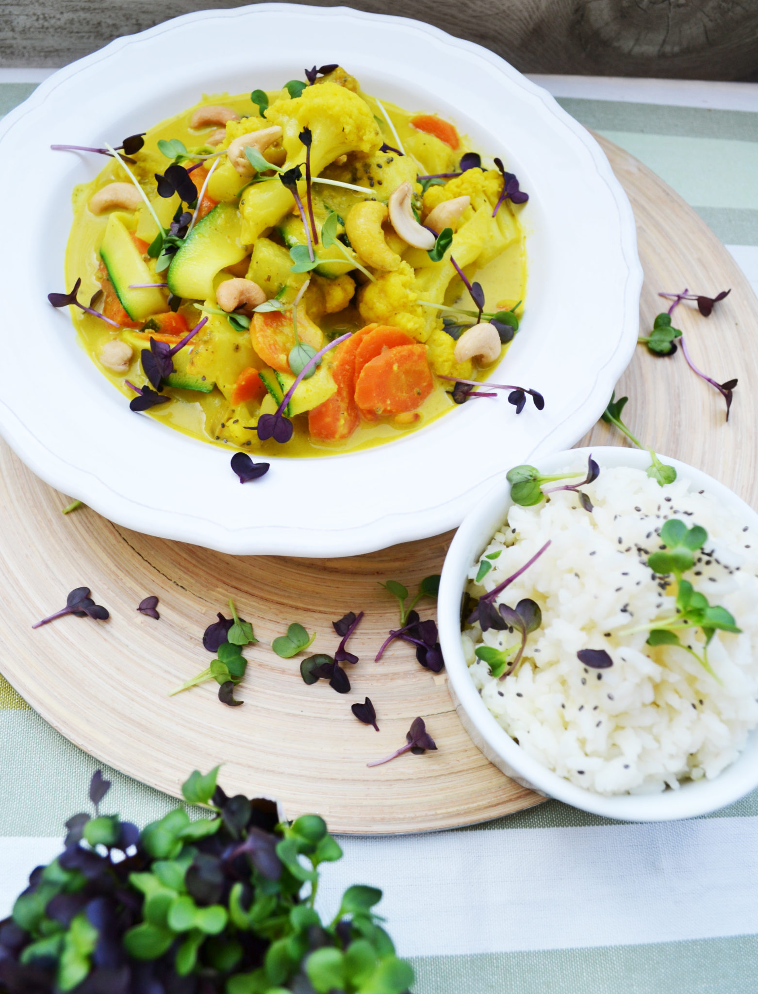 Tut Körper und Seele gut! Gemüsecurry mit Kokosmilch und Cashewnüssen