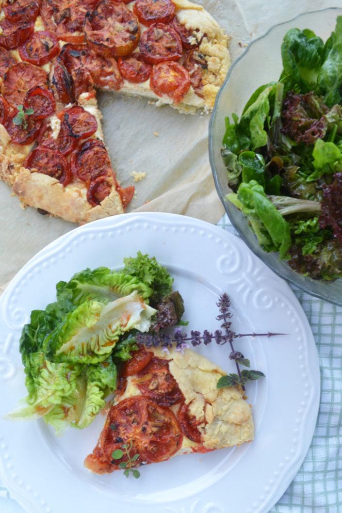 Ein herrlicher Sommerlunch! Geröstete-Tomaten-Galette mit Ricotta