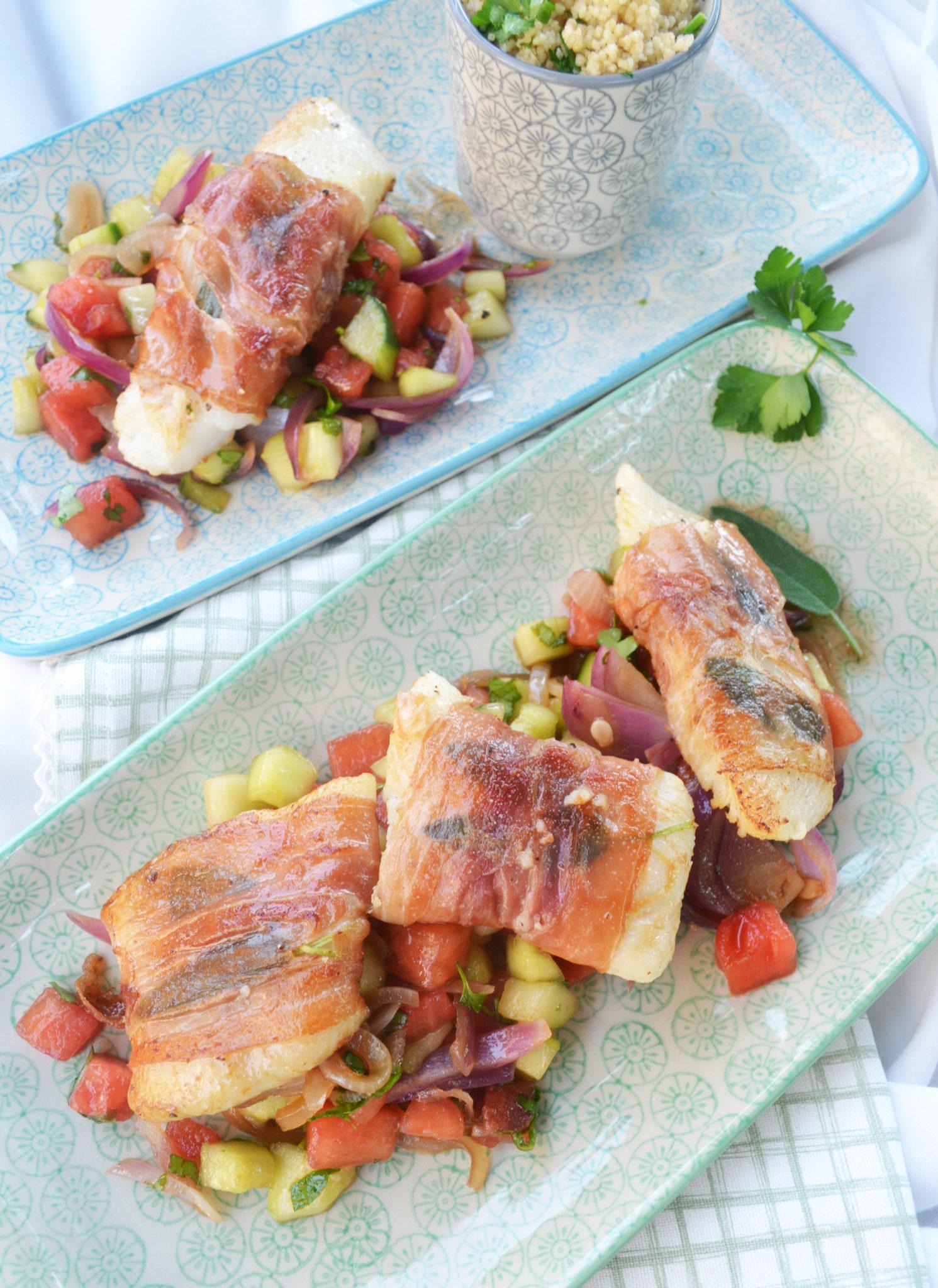 Sommergefühle ahoi! Heilbutt-Saltimbocca mit Melonen-Gurken-Salat