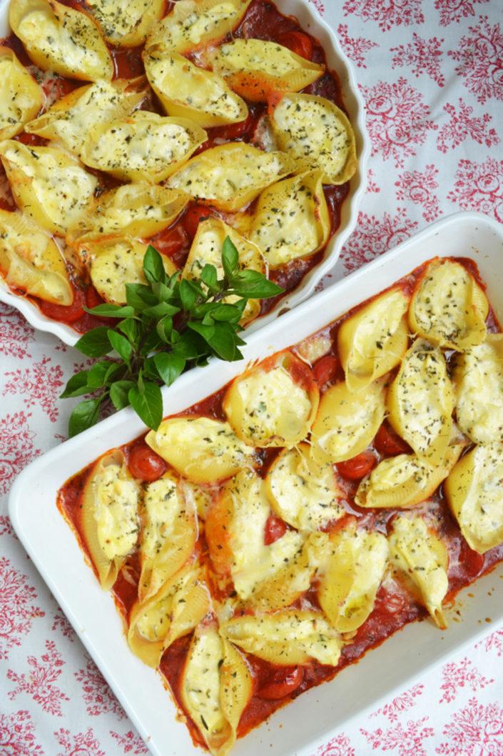 Herrlicher Pastaschatz! Muschelnudeln mit Ricotta-Füllung und Tomatensauce
