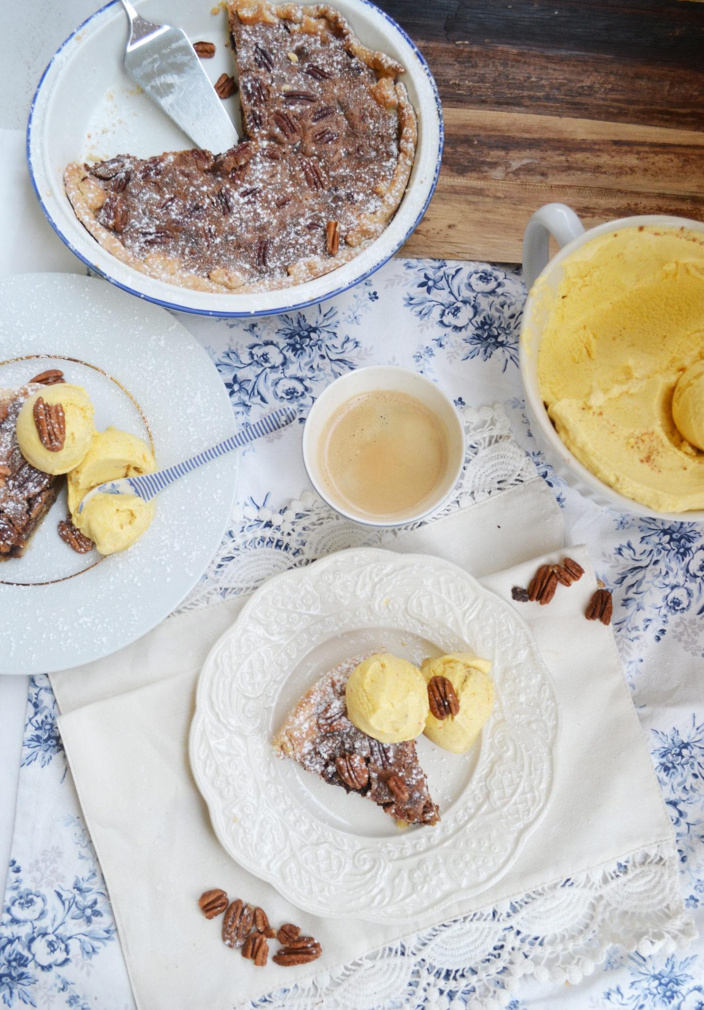 Ein süßer Schatz! Pekannuss-Pie mit Kürbis-Eis