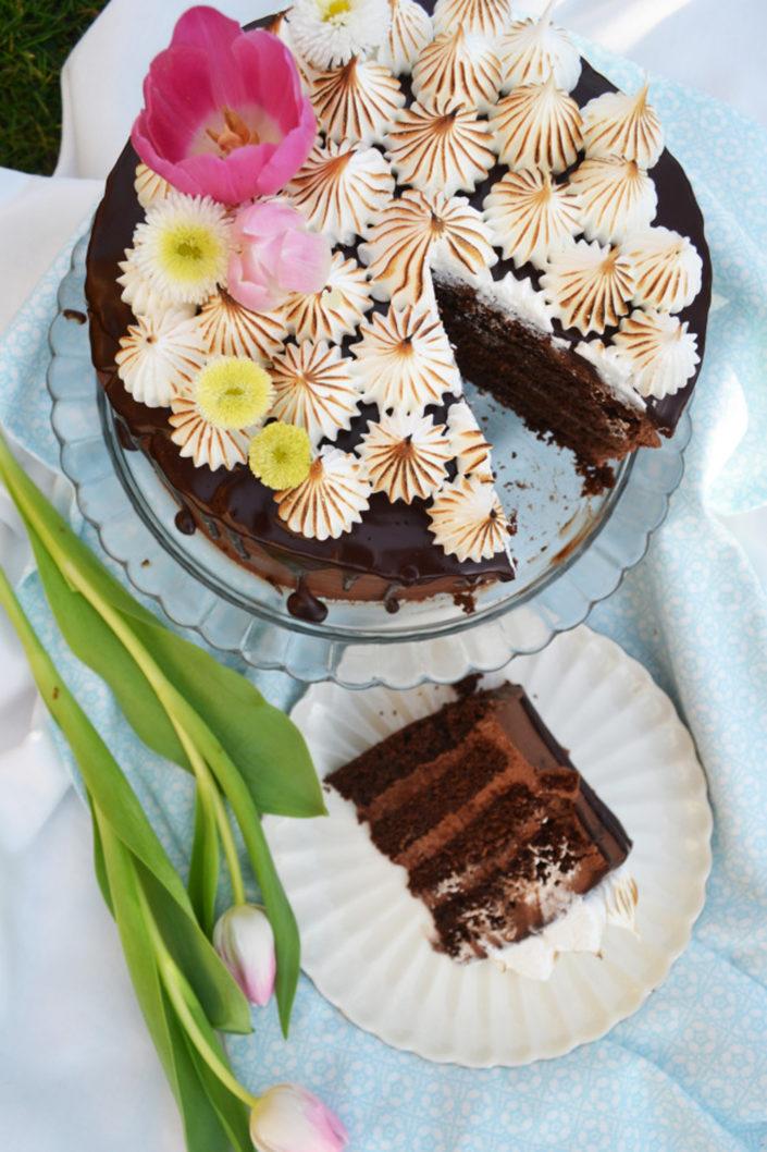 Sweet Love! Schokolade-Nougat-Torte mit Baisertupfen