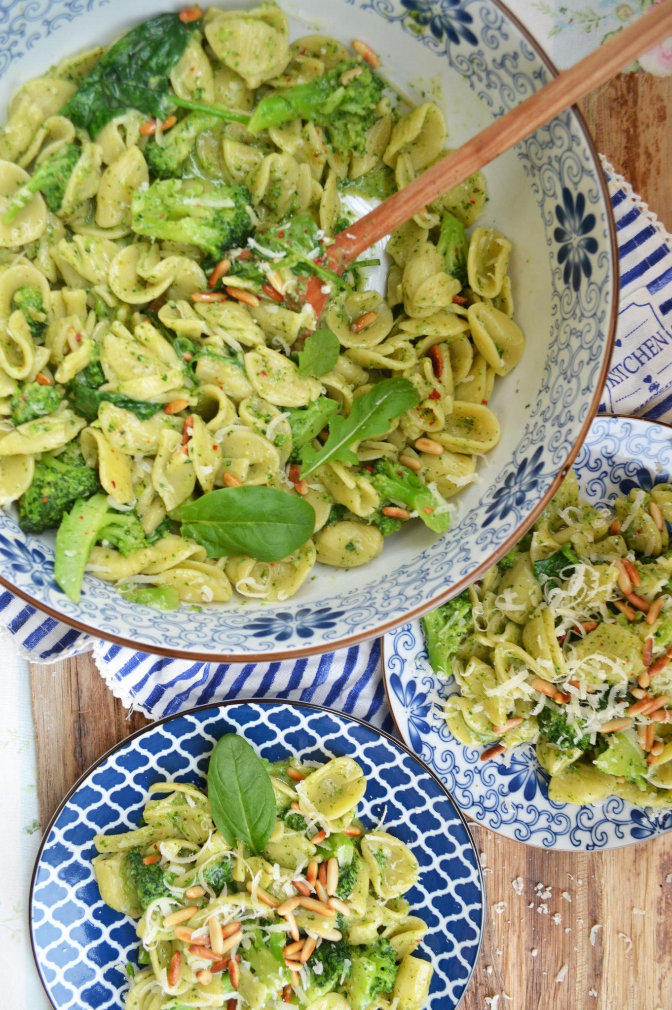 Schnell aufgetischt! Brokkoli-Basilikum-Pasta