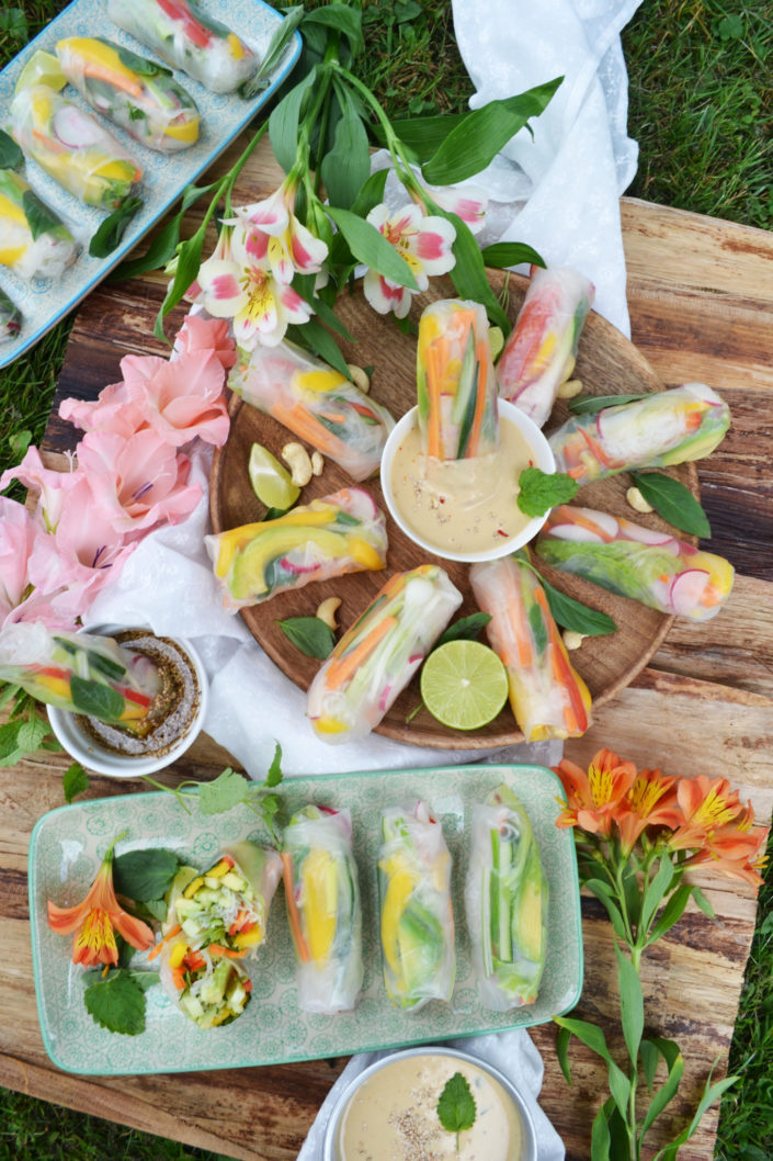 Buntes Vergnügen! Meine liebsten Sommerrollen mit cremigen Erdnussdip