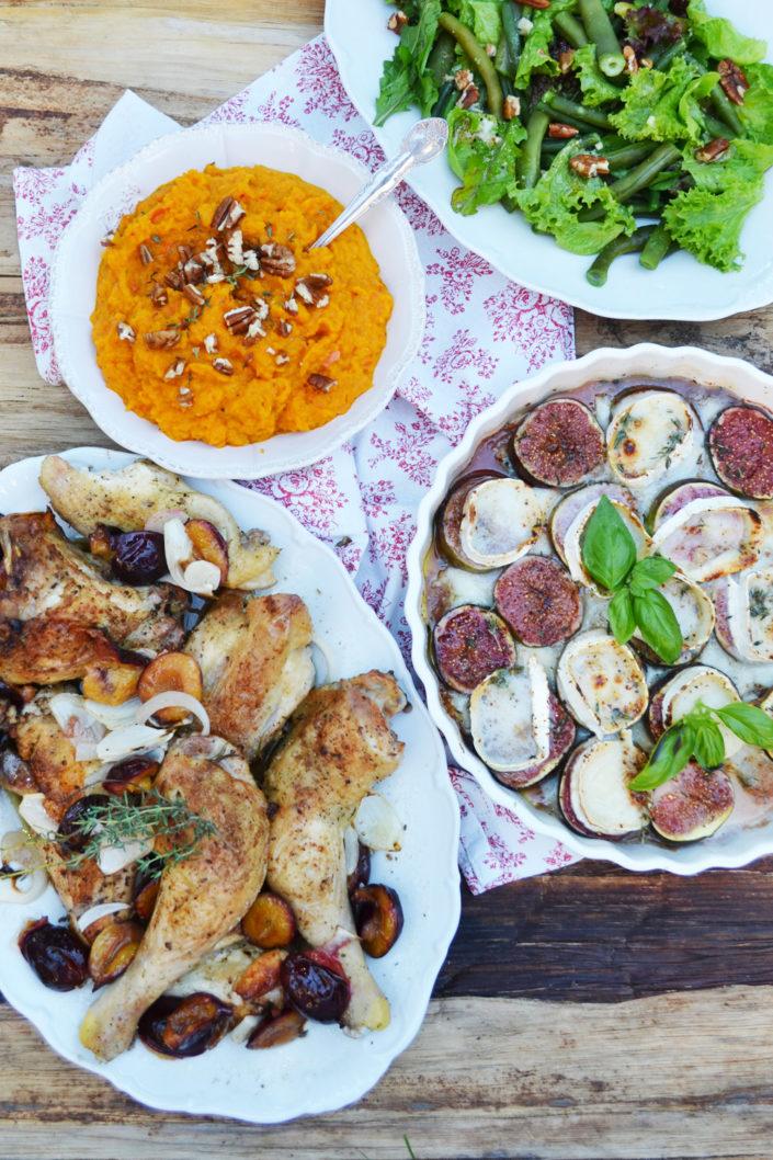 Lässige Tafelfreuden! Ofen-Hühnchen mit Kürbispüree, Ziegenkäse-Feigen und Bohnensalat