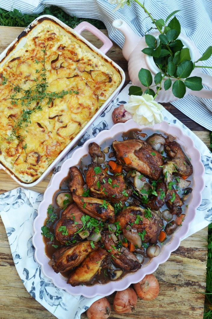 Chic am Tisch! Coq au vin mit Kartoffel-Sellerie-Gratin