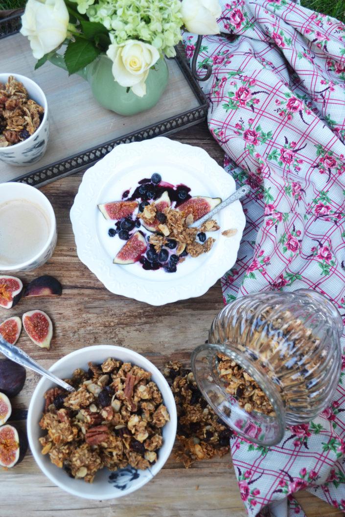 Guten Morgen! Espresso-Granola mit Cranberries und Pekannüssen