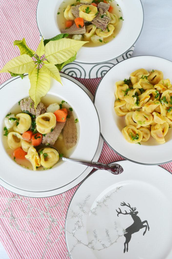 Für die ganze Familie! Suppentopf mit Rindfleisch, Gemüse und Kürbis-Tortellini