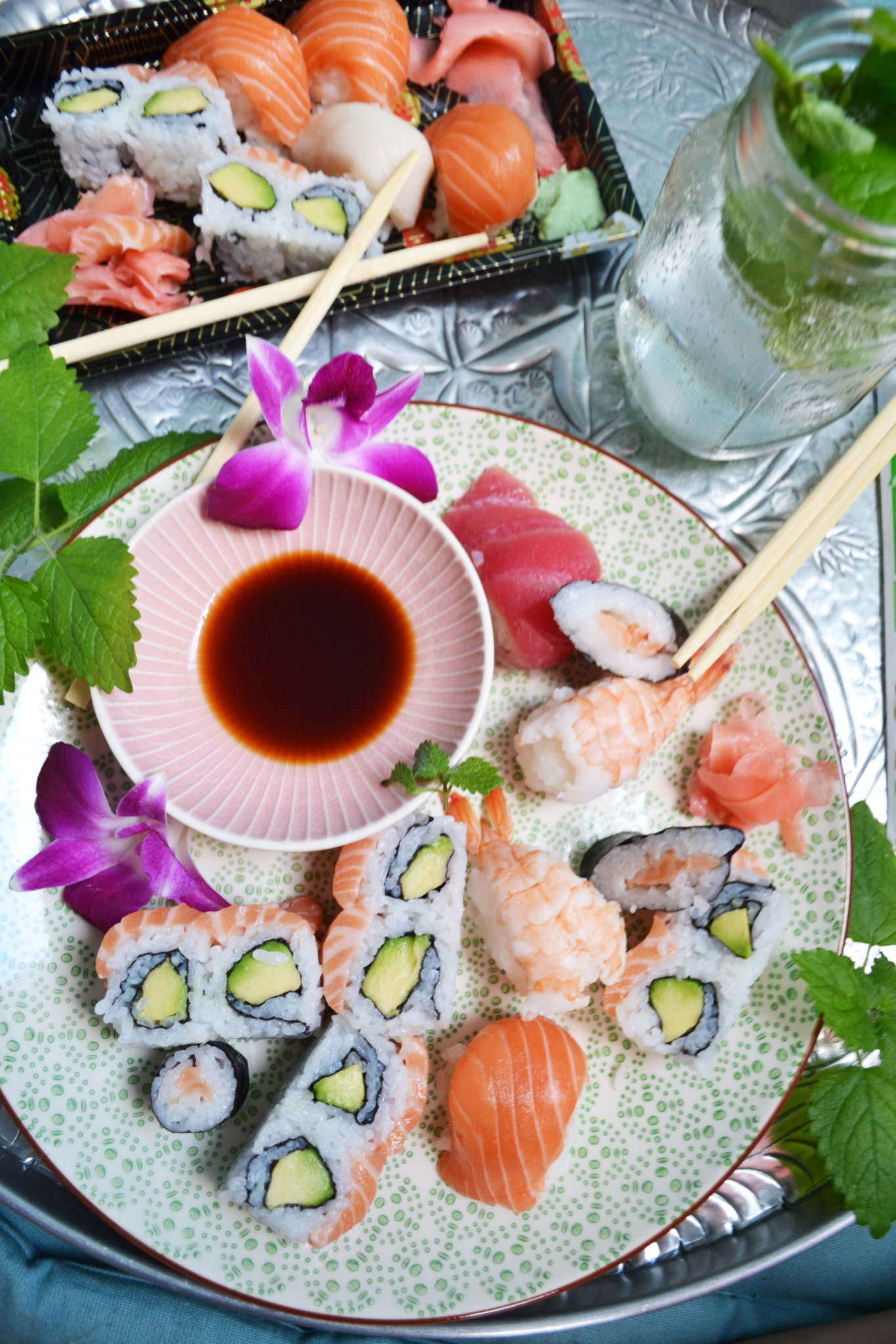 Bei Z10 bekommt ihr herrliches Sushi frisch und hübsch verpackt geliefert -  und dazu auch noch richtig schnell!
