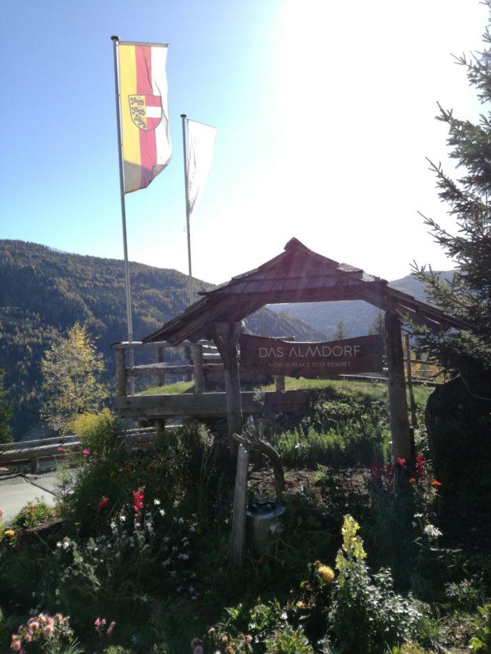 Ganzheitliches Genießen und Erleben im Almdorf Seinerzeit - World Peace Eco Resort