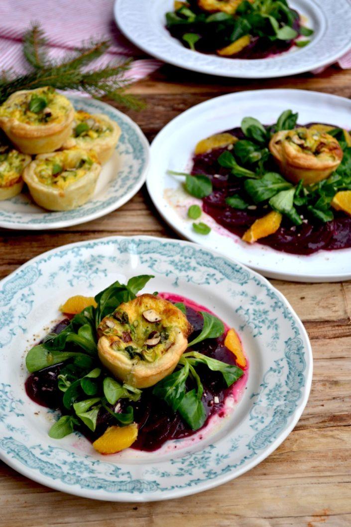 It's Showtime Baby! Mini-Ziegenkäse-Quiches mit Rote Rüben-Carpaccio und winterlichem Salat