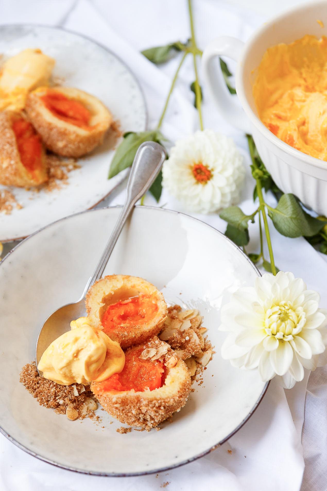 Marillenknoedel_mit_Mango-Joghurt-Eis-181510-3